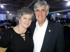 - Maria do Carmo e Manuel Machado, vice-prefeito de Bagé, jantar Cordeiro e Vinho, Rotary Rainha da Fronteira, clic Fábio Lucas