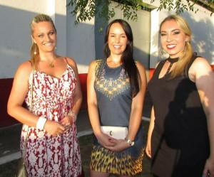 Joelma Silveira Lemos, Liziane Santos, Mariana Moraes, na Passagem de Comando do 3º R C Mec, terça-feira