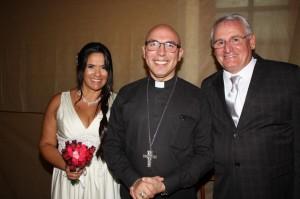 Stela Vasconcellos e Rubens Trevisan casaram-se dia 7,  Rio Grande, bispo Dom Ricardo Hoepers