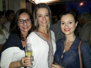 As cunhadas: Cátia Moglia, Barbara Coradini Moglia, Estefania Barbosa Correa, na AZ Galeria, clic Fábio Lucas