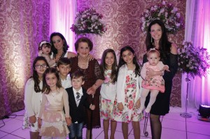 -Reny Gallo Firpo,Emilene Del Duca, Camila e Manuela,  Vivian Araújo Ramacciotti com filha Martina os bisnetos de Reny