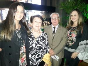 """Beatriz, Lourdes e João Henrique Gallo, Marina Gallo, na plateia do """" Troféu Vitoriosas"""", clic Fábio Lucas"""