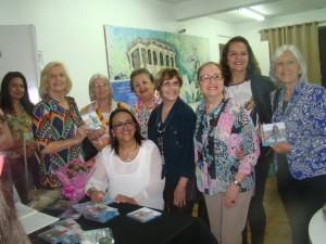 O Coral Auxiliadora prestigiou Ana Lúcia Tavares de Souza, que lançou o CD Bênção e Luz, na Biblioteca Otávio Santos,